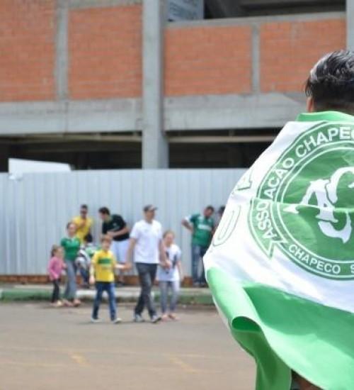 Chapecó prepara homenagens pelos três anos da tragédia com o voo da Chapecoense.
