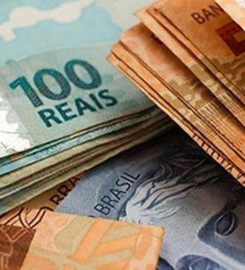 Governo reduz previsão do salário mínimo de 2020 para R$ 1.031.