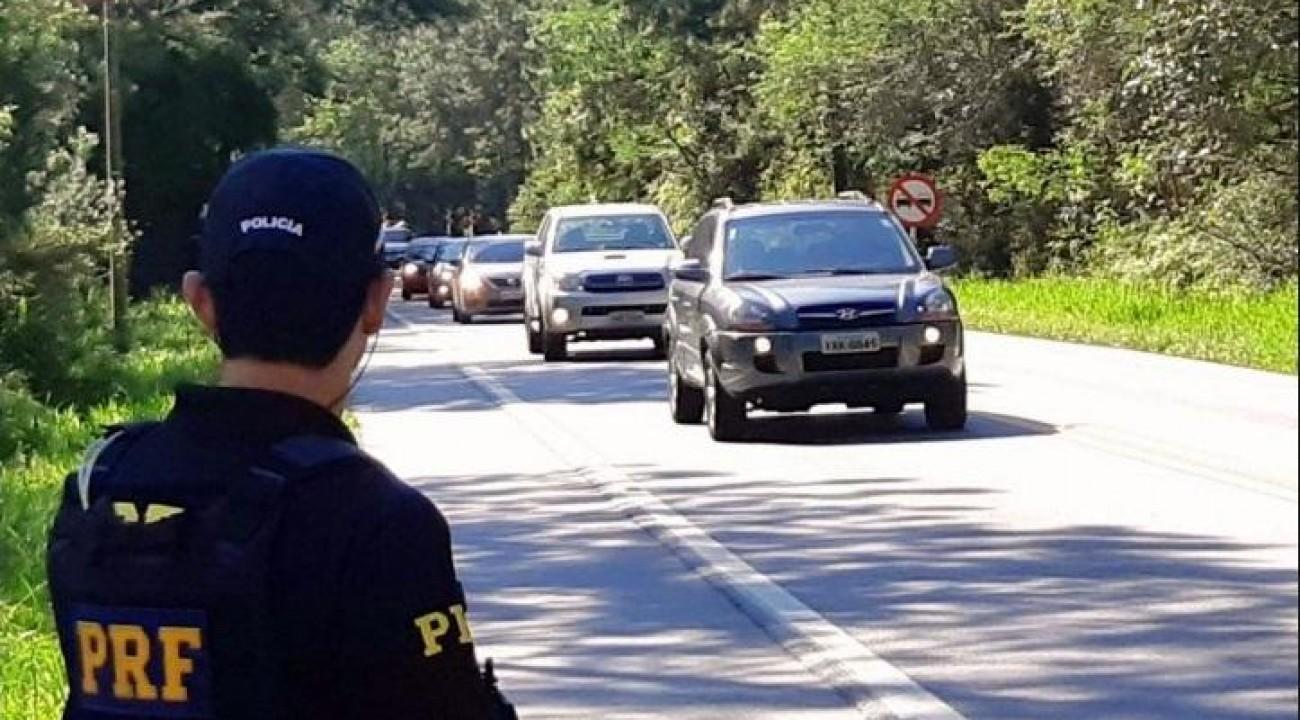 PRF encerra Operação Proclamação da República com aumento no número de acidentes e queda nas mortes.
