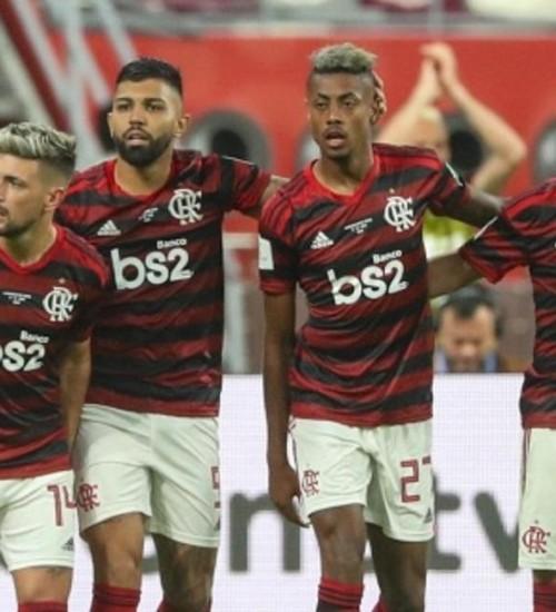 Após susto, Flamengo evita vexame e está na final do Mundial.