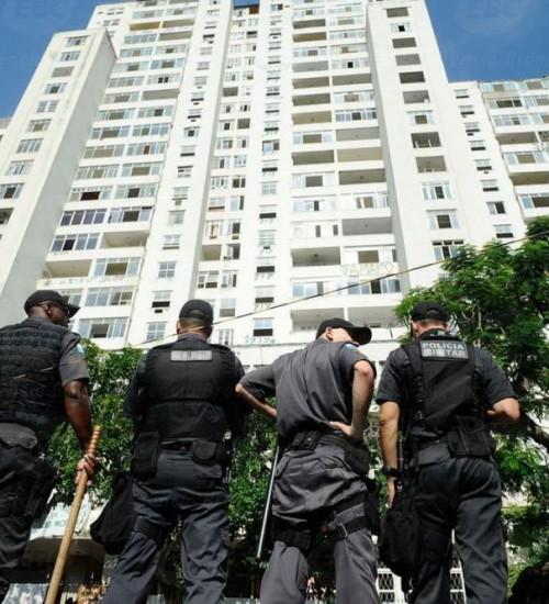Bolsonaro extingue prisão disciplinar para PMs e bombeiros.