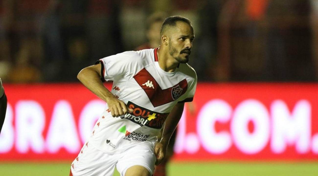 Conversas avançam, e Chapecoense encaminha a contratação de Anselmo Ramón.