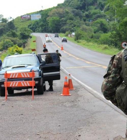 Exército inicia fiscalização nas rodovias da Fronteira.