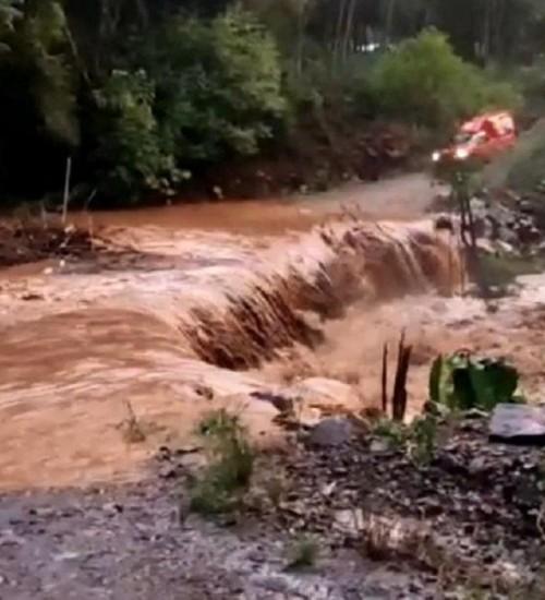 Fortes chuvas causam estragos no interior de Itapiranga.