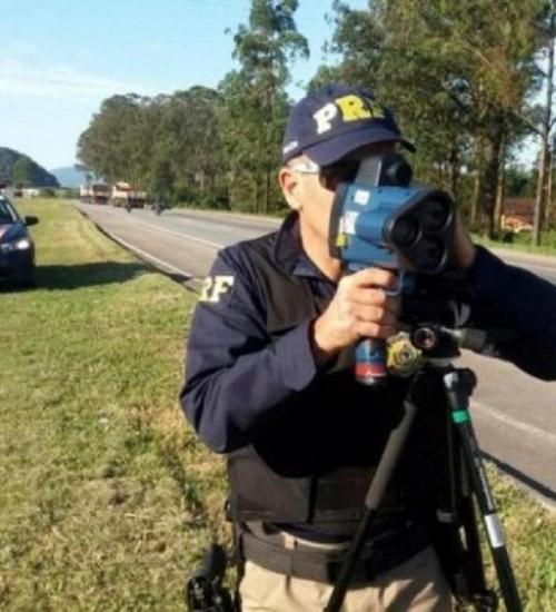 Justiça mantém decisão e radares devem voltar às estradas federais.