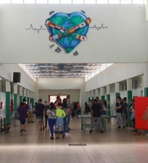 Ministro da Educação confirma as quatro escolas cívico-militares de SC.