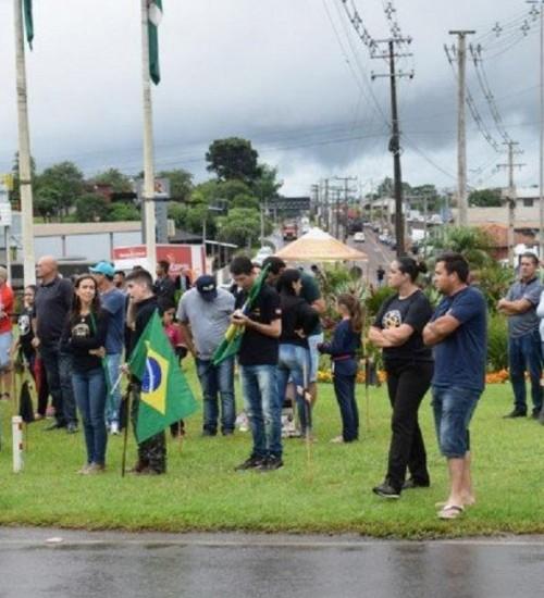 PM e organizadores estimam participação de 3mil pessoas em manifestação.