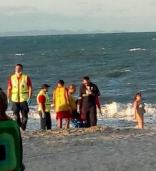 Verão começa com ao menos 6 mortes por afogamento em rio, lagoa, cachoeira e praias de SC.