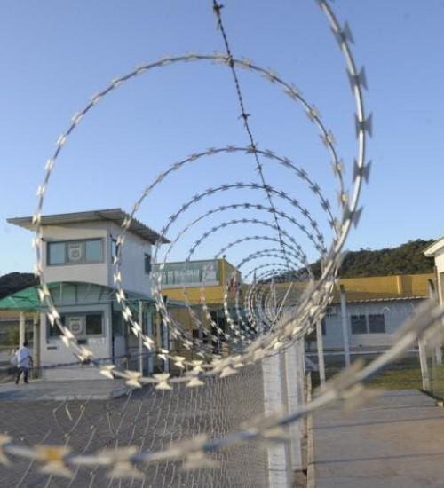 Após saída temporária, 87 presos não retornam para unidades prisionais em SC