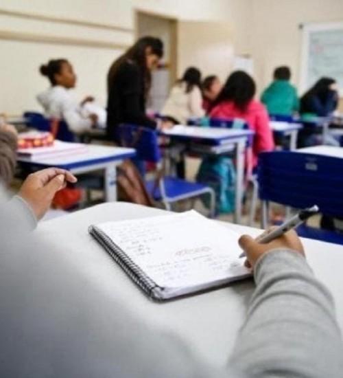 Chamada de professores ACTs para a rede estadual iniciou nesta segunda-feira em Santa Catarina.