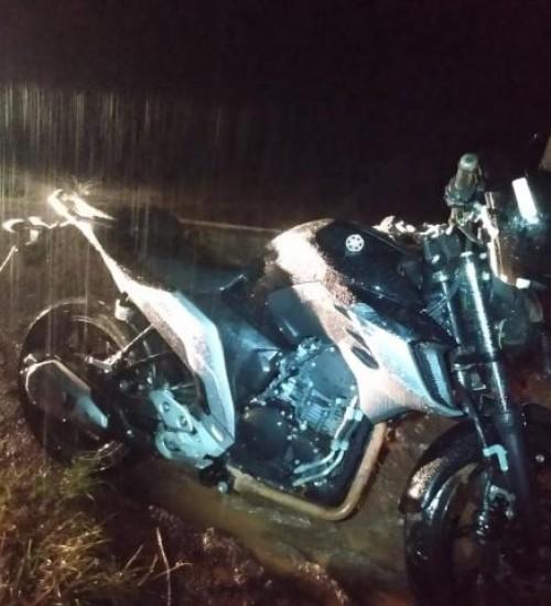 Condutor e passageiro de motocicleta ficam feridos na SC-496, em Descanso