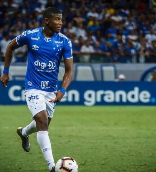 Grêmio anuncia contratação do lateral-direito Orejuela