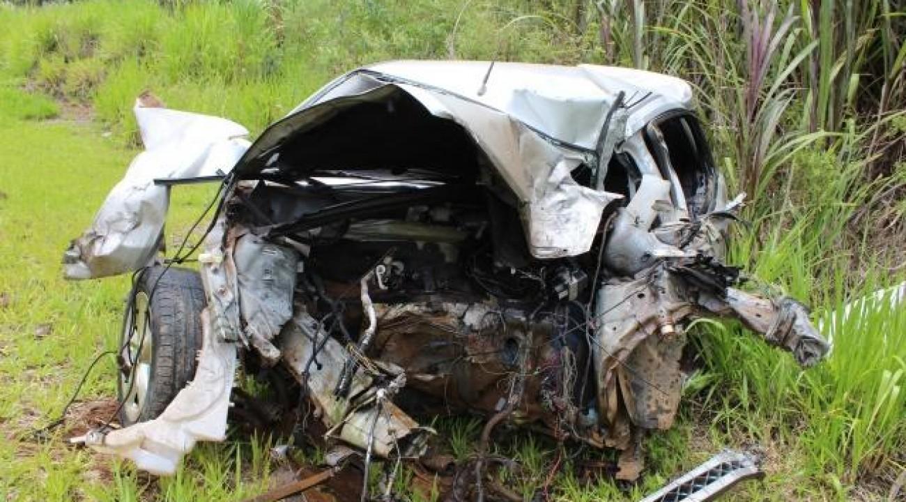 Mulher morre em colisão frontal na BR 282 em Paraíso
