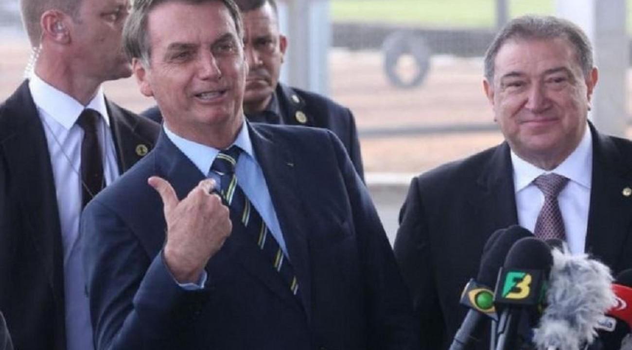 Bolsonaro anuncia Onyx no Ministério da Cidadania e general Braga Netto na Casa Civil.