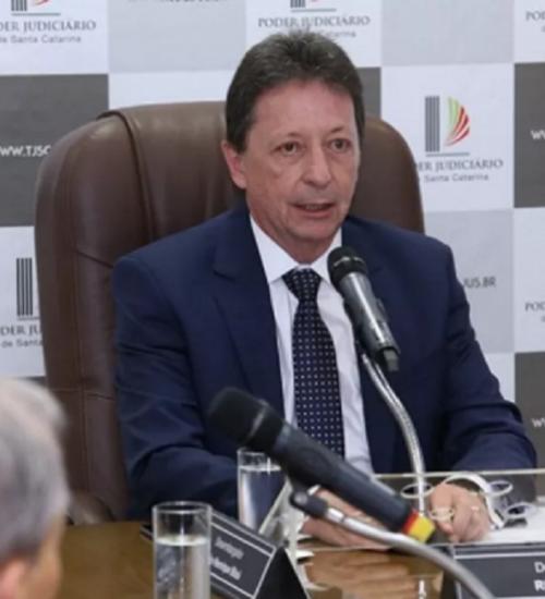 Desembargador Ricardo Roesler toma posse como presidente do TJSC.