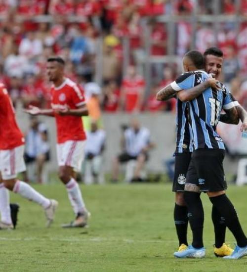 Grêmio vence o Inter com gol de Diego Souza e classifica para a final do primeiro turno do Gauchão.