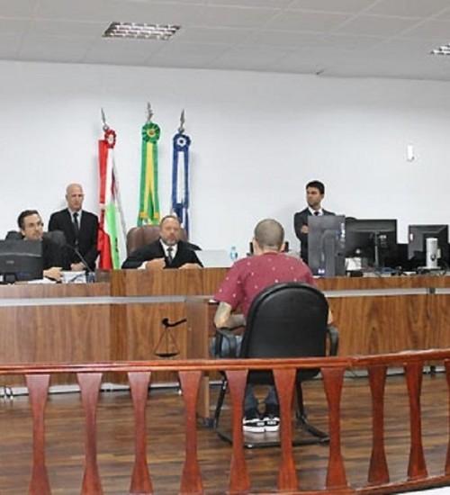 Grupo que tentou explodir muro de penitenciária é condenado a 234 anos de prisão em SC.