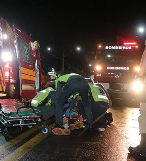 Motociclista sofre fratura em colisão na Waldemar Rangrab em São Miguel do Oeste