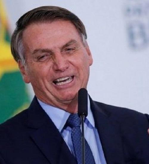 Bolsonaro assina MP que muda regras para contratar temporários no governo.