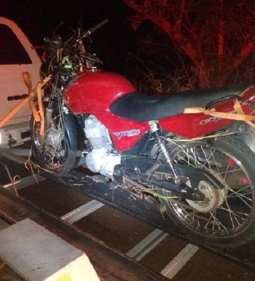 Condutor de motocicleta sai ferido na SC-496, em Descanso.