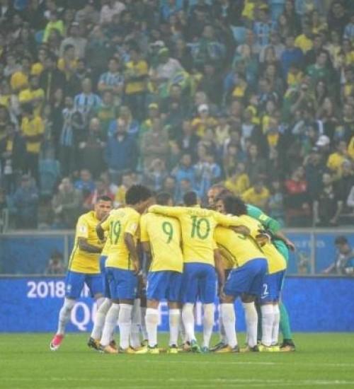 Conmebol pede à Fifa adiamento das Eliminatórias Sul-Americanas para setembro.