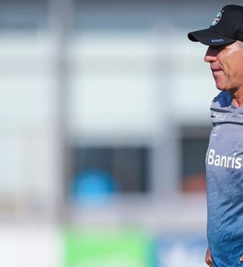 Grêmio encerra preparação para o Gre-Nal com treino fechado na Arena.
