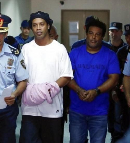 Justiça do Paraguai determina a prisão de Ronaldinho Gaúcho e irmão.