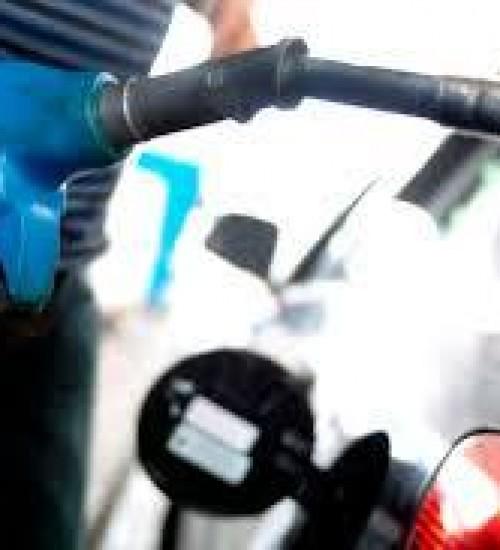 Petrobras reduz preço da gasolina em 15% a partir desta quarta.
