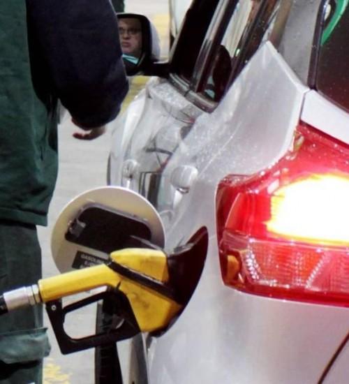 Petrobras reduz preço da gasolina em 9,5% e do diesel em 6,5%.