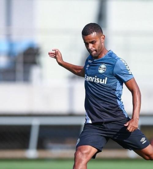 Treino desta quarta será decisivo para últimos ajustes no Grêmio antes do clássico.