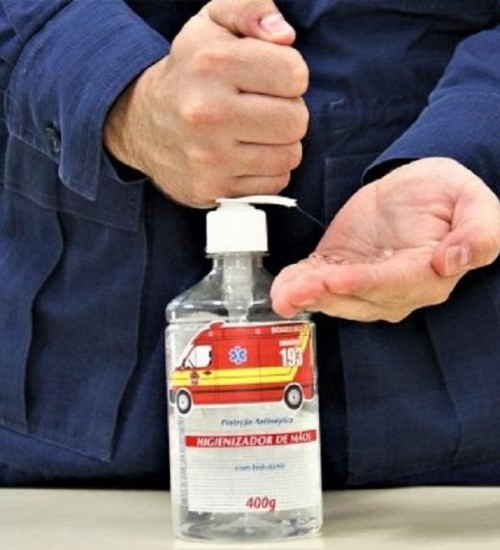 Corpo de Bombeiros Militar alerta para cuidados com o uso do álcool em casa.