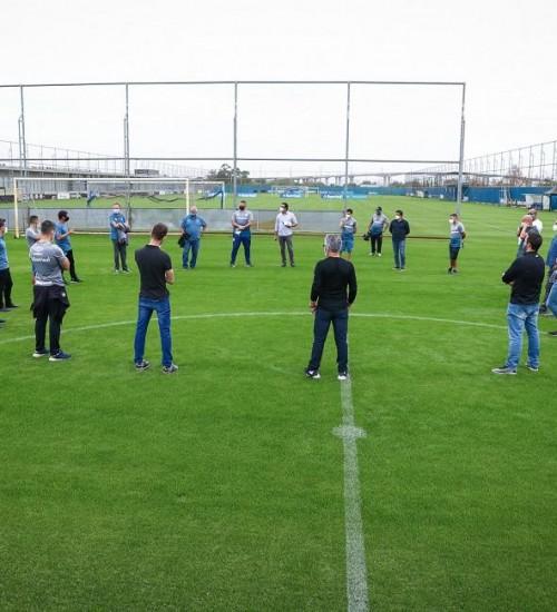 Grêmio reinicia atividades no CT Luiz Carvalho.