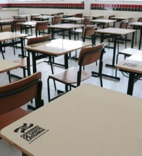 Projeto que prevê retorno das atividades escolares é protocolado em SC.