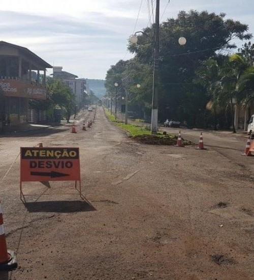 Iniciam obras de revitalização da Avenida Uruguai de Itapiranga.