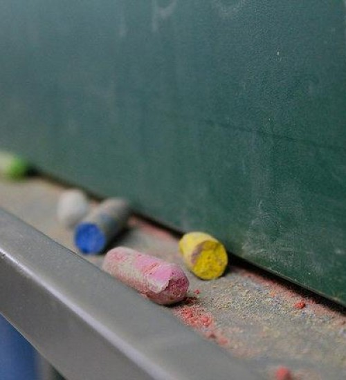 Retorno das aulas presenciais começa a ser debatido pelo governo de SC.