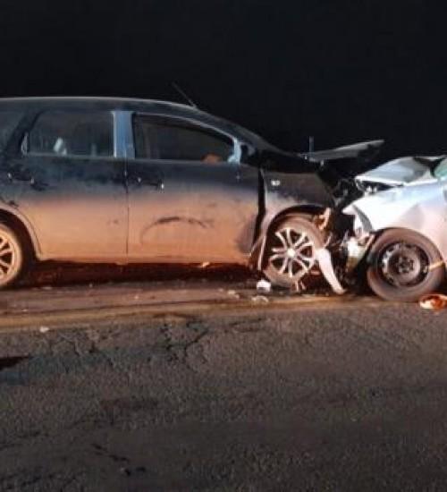 Um grave acidente de trânsito foi registrado na noite deste domingo (21), na BR-282, em Pinhalzinho.