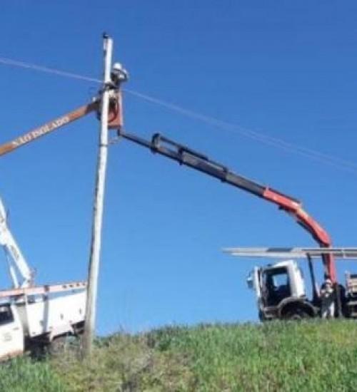 Celesc restabelece 98% do sistema elétrico em Santa Catarina.