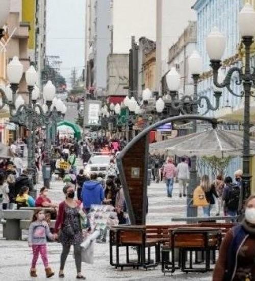 Na liderança nacional, comércio de Santa Catarina cresce 18,1% em maio.