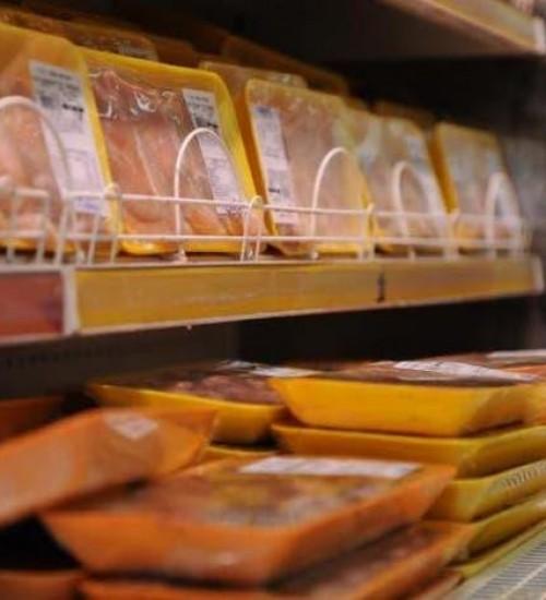 Coronavírus foi encontrado em carne de frango de SC vendida na China, diz agência.