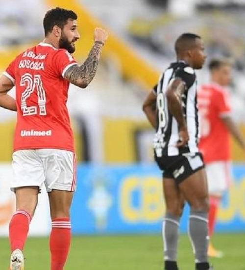 Inter faz grande primeiro tempo, vence o Botafogo e mantém liderança no Brasileirão.