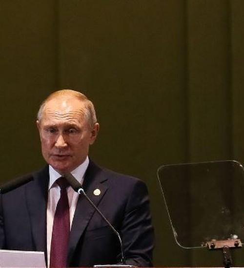 Rússia anuncia primeira vacina contra a covid-19.