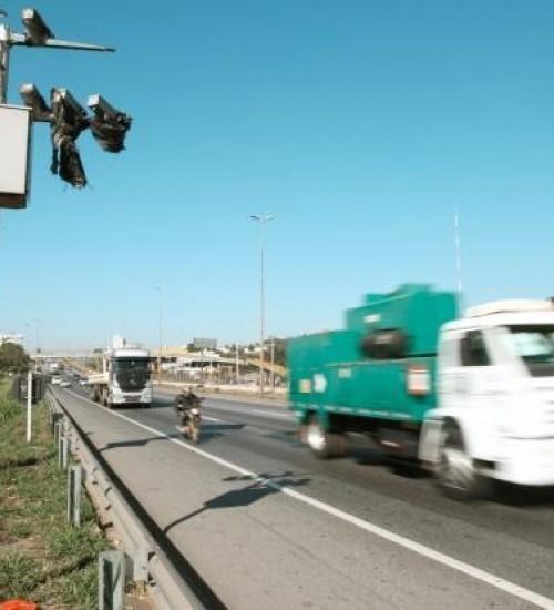 Santa Catarina terá 161 novos radares fixos nas rodovias federais.