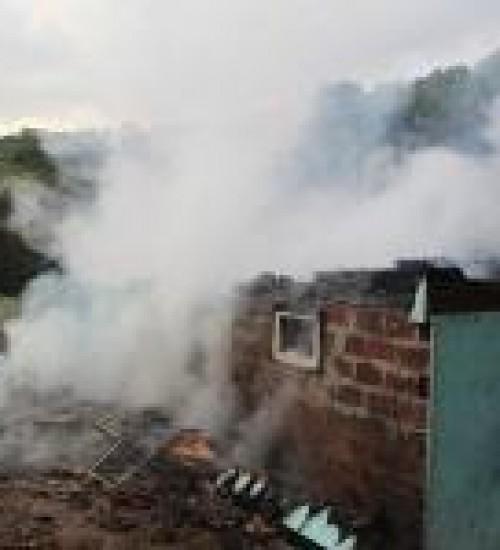 Casa é destruída por incêndio no interior de Paraíso