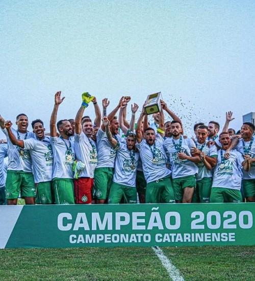 Chapecoense vence Brusque e conquista 7º título do Catarinense
