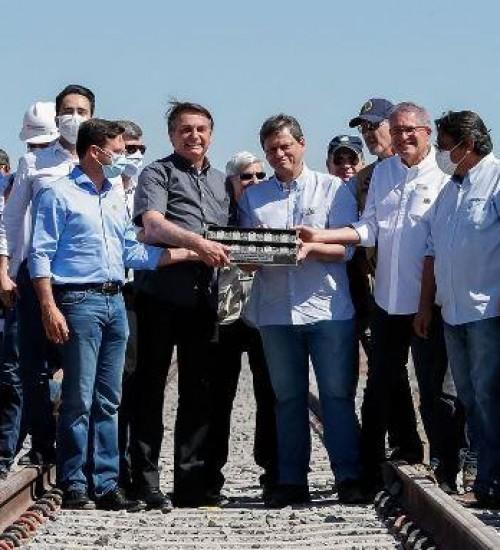Governo firma acordo com Exército para construção de ferrovia na Bahia.