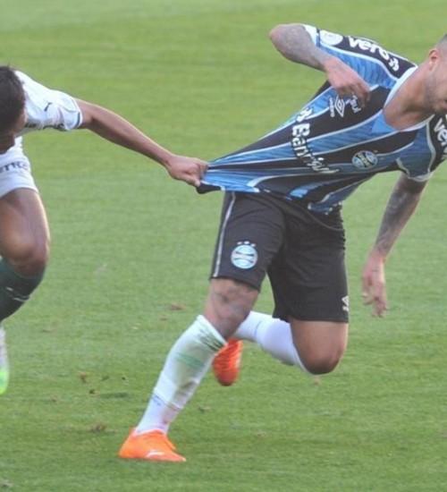 Grêmio busca empate nos acréscimos com o Palmeiras