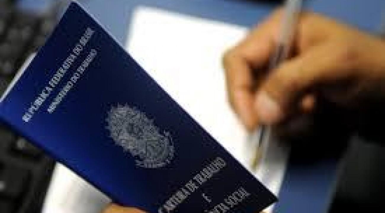 Brasil abre 313.564 vagas com carteira assinada em setembro