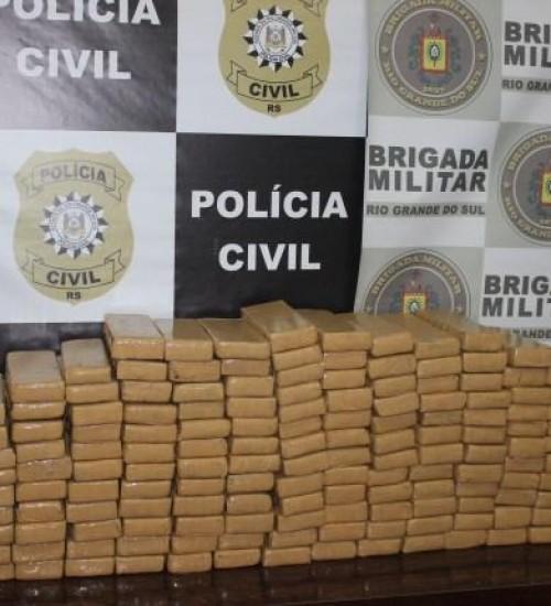 Polícia prende dois indivíduos transportando 114 kg de maconha em Tenente Portela