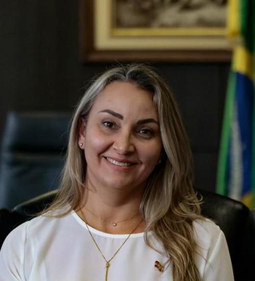 Daniela Reinehr suspende aumento dos procuradores, alvo do impeachment em SC