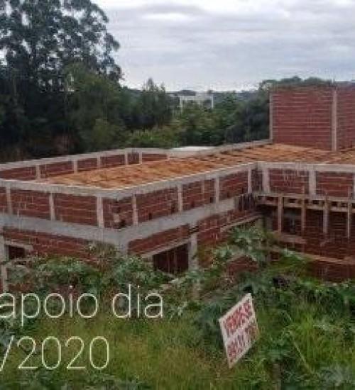Obra da nova casa de apoio do Hospital Regional está em ritmo acelerado.
